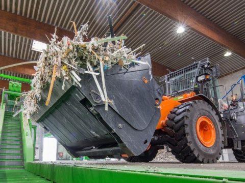 Verwertung von ausgedienten Windrädern bei Neocomp in Bremen: kein GFK auf die Deponie