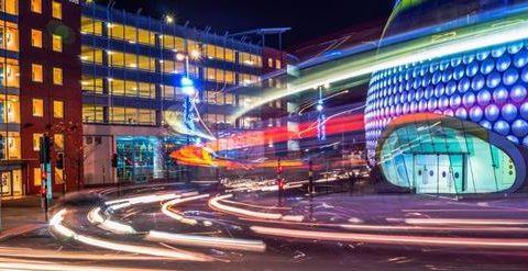 Kurze Distanzen zu Fuss, lange mit dem öffentlichen Verkehr: Birmingham hat genug vom Autoverkehr.