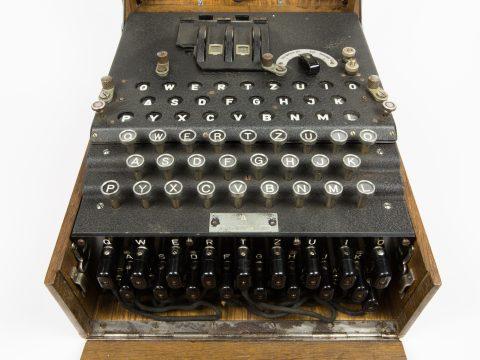 Enigma Verschlüsselungsmaschine aus dem 2. Weltkrieg